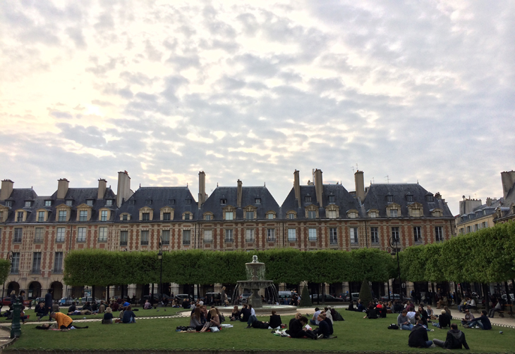 place des vosges, paris travel guide, paris style travel